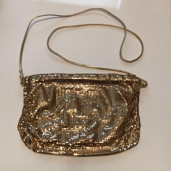 a671d87c51 Whiting   Davis Mesh Cross Body Bag Gold. M 5aca3a08fcdc310e6c352114